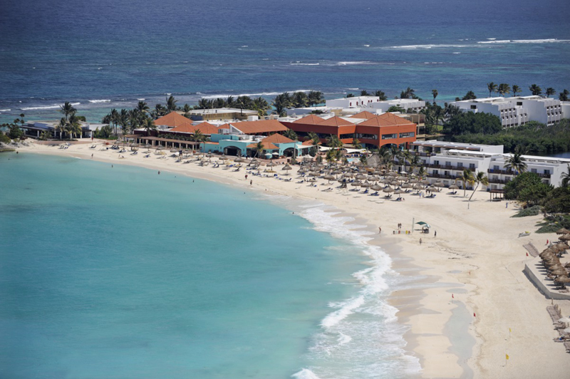 vote-club-med-cancun.jpg