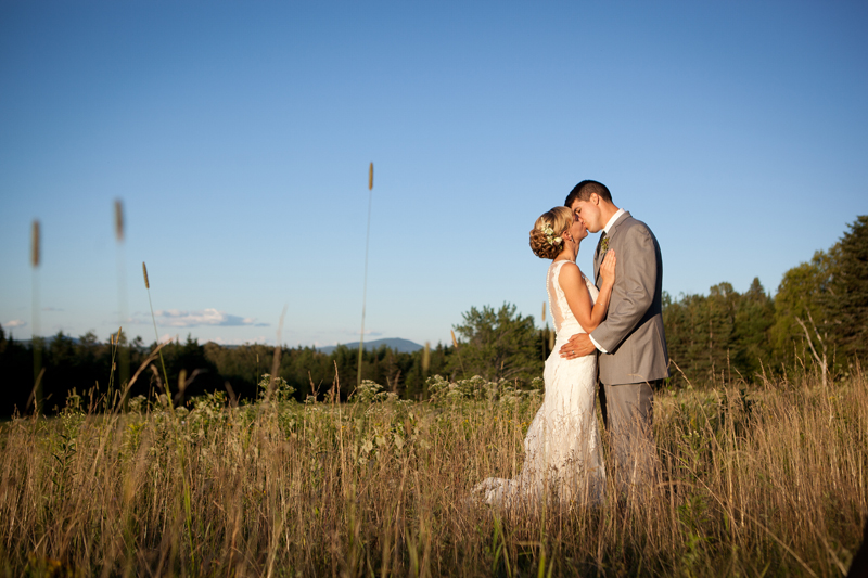 01-eustis-maine-barn-wedding-debbie-harmon-photography.jpg